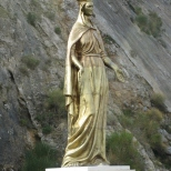 Golden Mary Statue en route