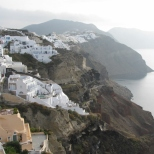 Oia and the Sea_2