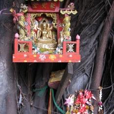 Respecting Buddah